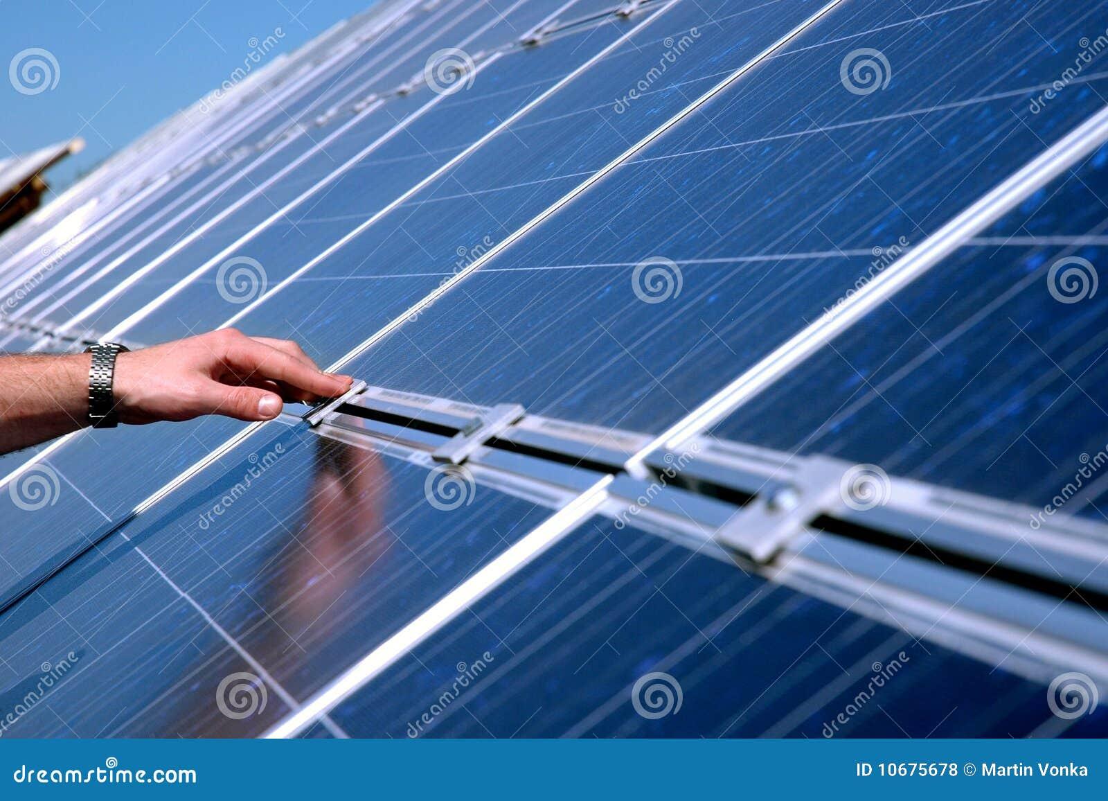 Tacto de un panel solar