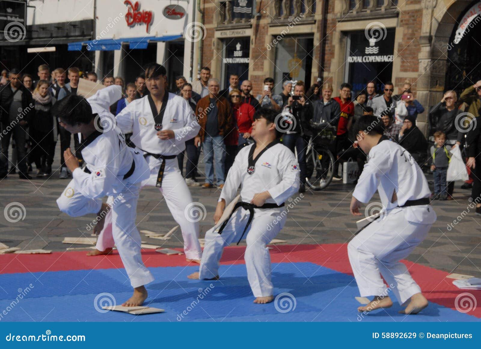 Tae kwon robi korpusów pokojowych