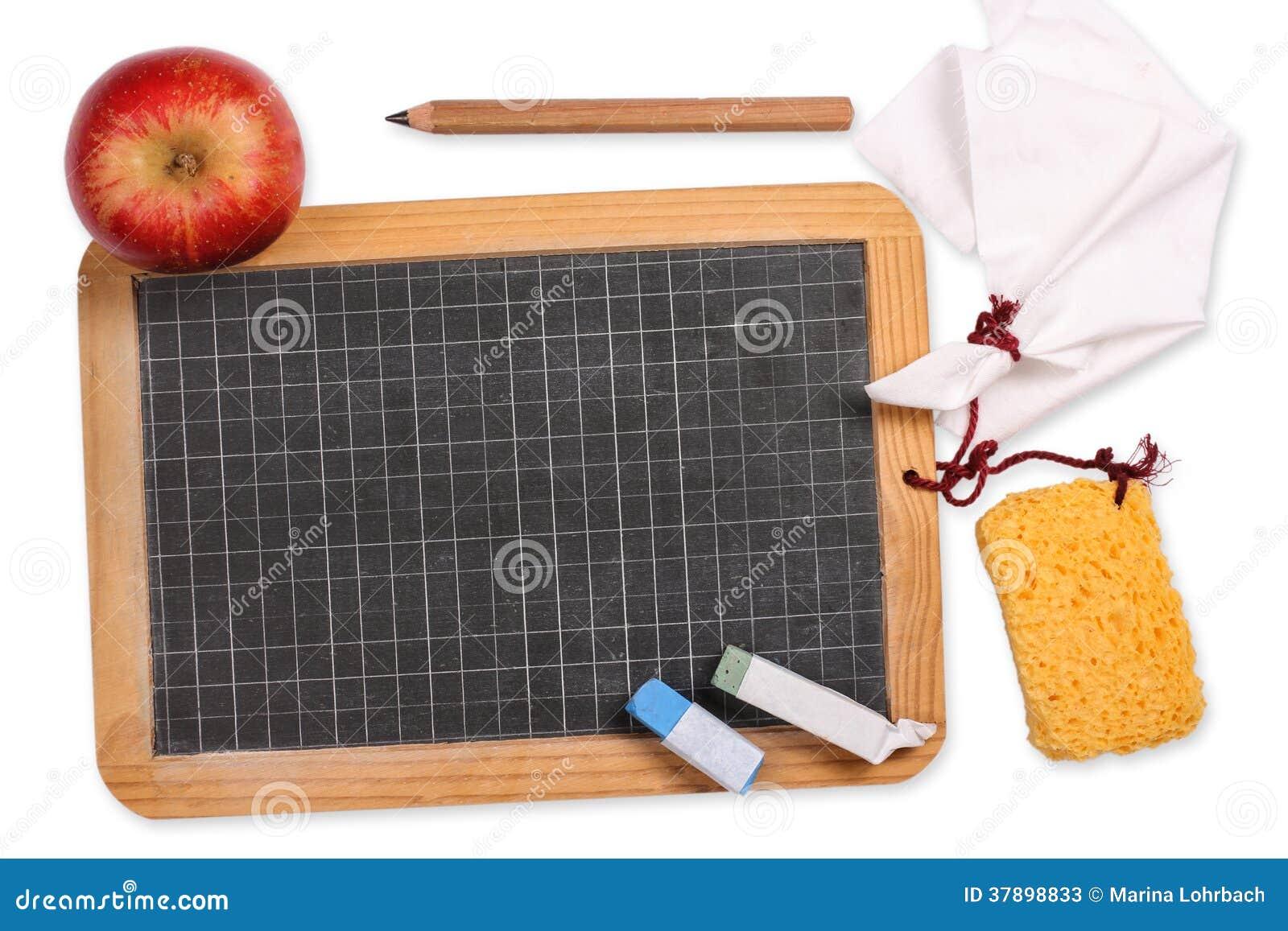 Schultafel Mit Kreide Und Schwamm ~ Tafel Mit Apfel, Schwamm, Kreide, Stoff Und Bleistift Stockfotos