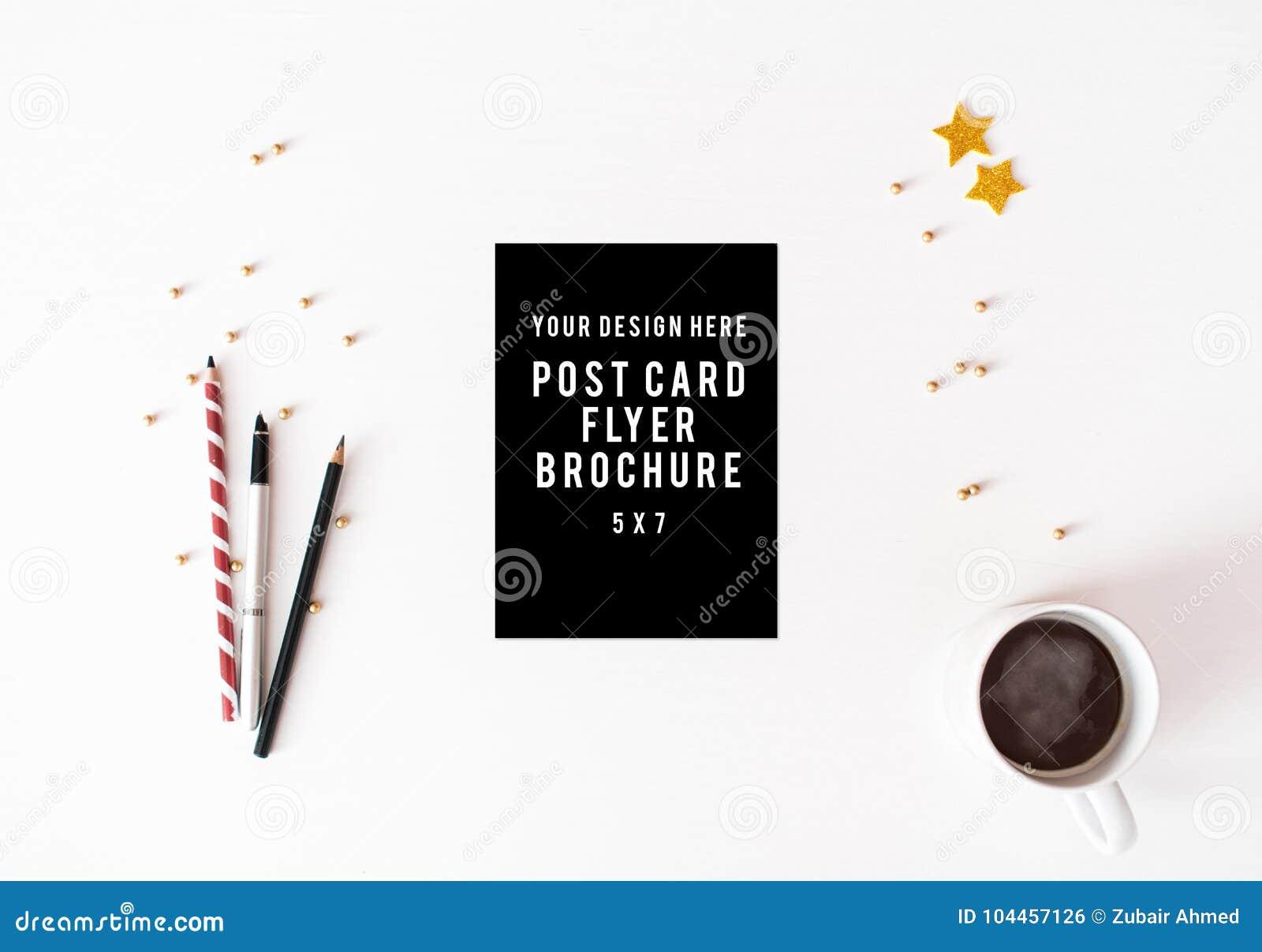 Tagebuchpostkartenflieger Weihnachtszusammensetzungshintergrund Tapete, Dekorationen, Verzierungen auf weißem Hintergrund