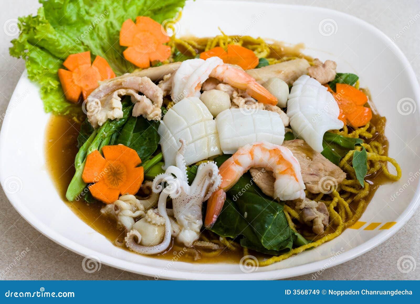 Tagliatella tailandese dei frutti di mare