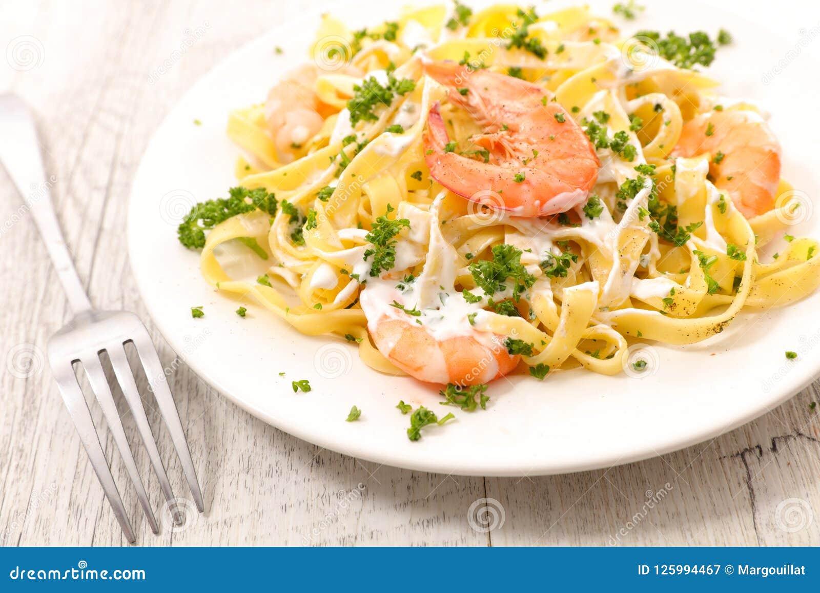 Tagliatelle with shrimp