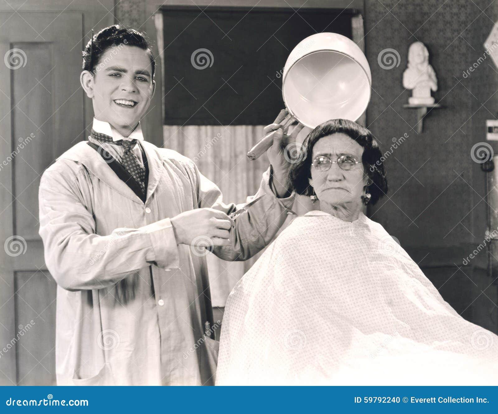 Taglio di capelli della ciotola