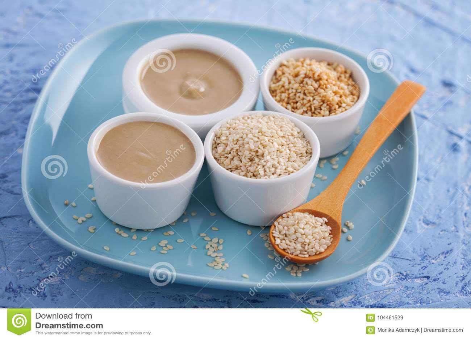 Tahini and sesame seeds