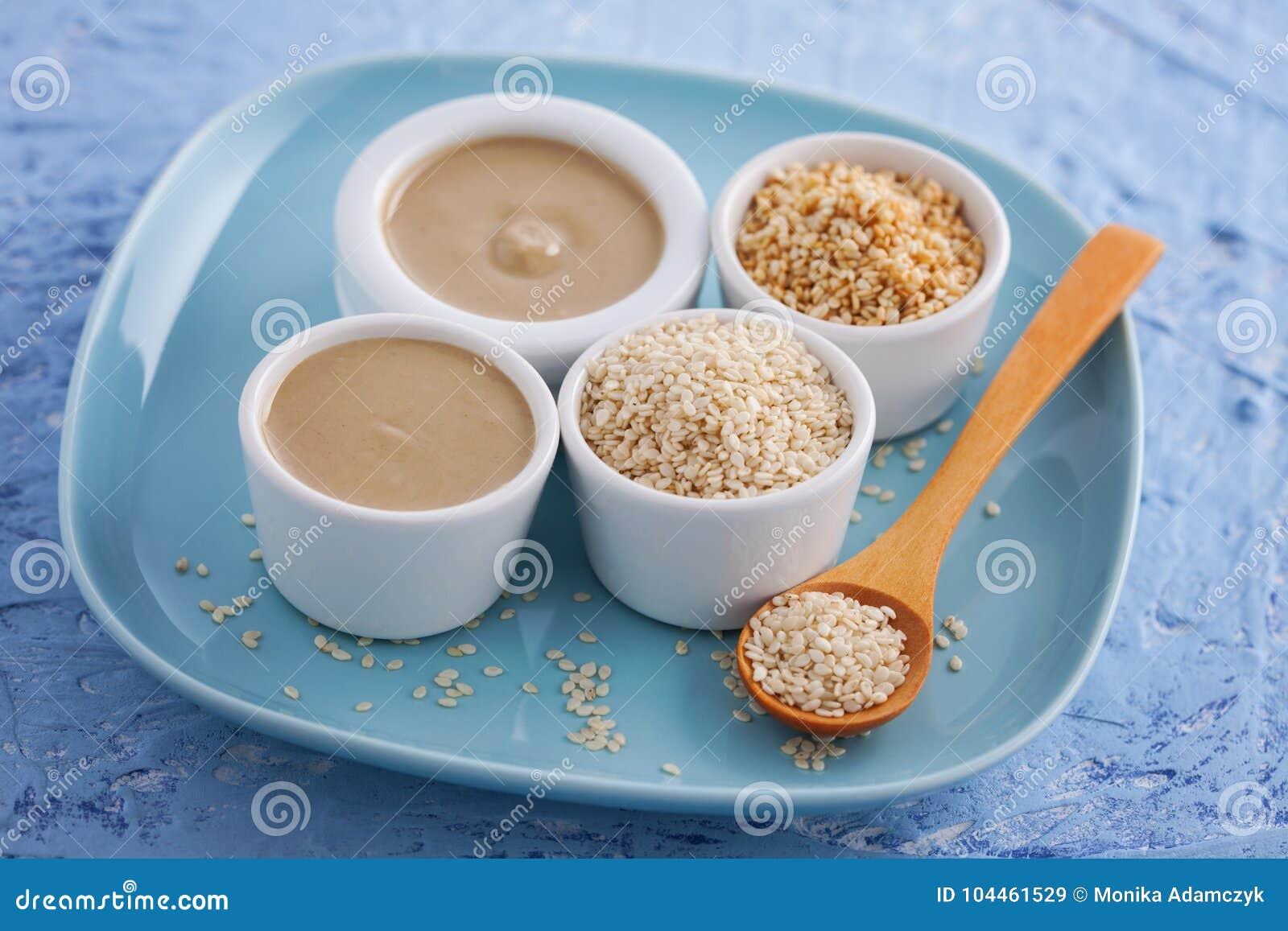 Tahini und Samen des indischen Sesams