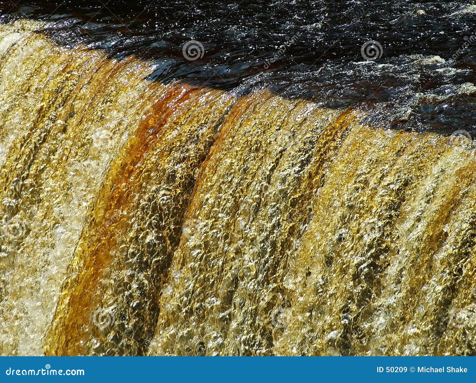 Tahquahmenom Falls