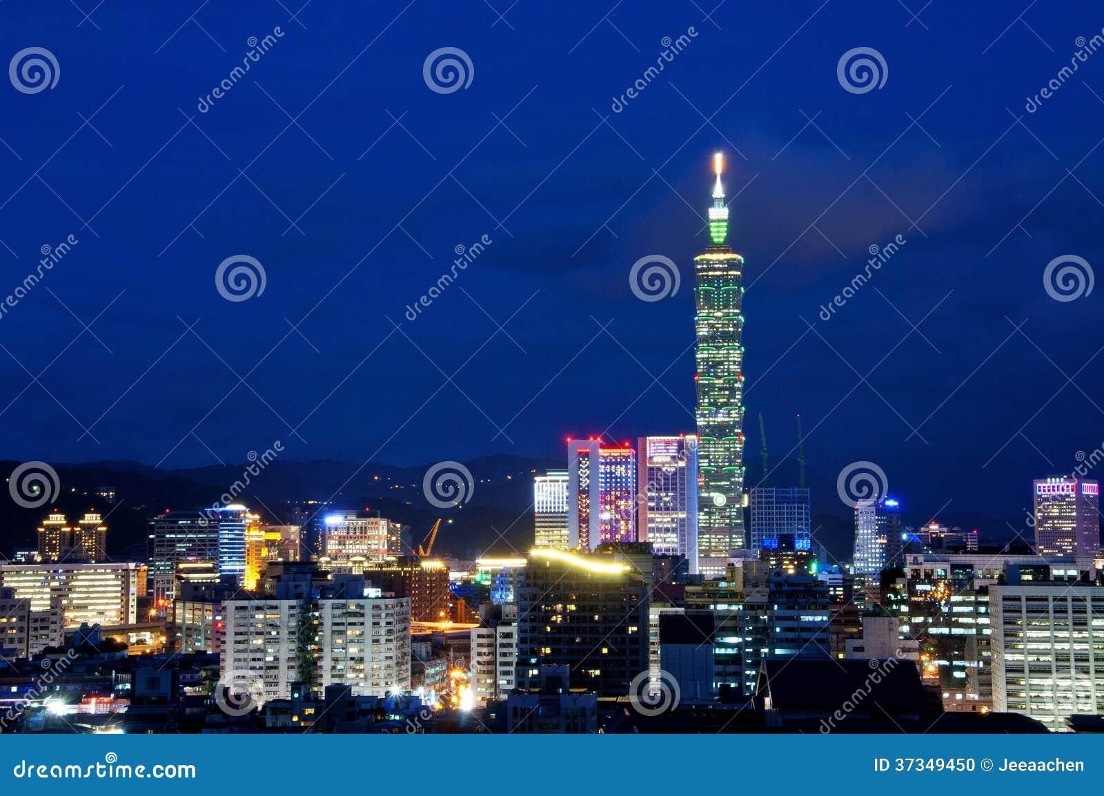 Taiwan Taipei härlig nattsikt