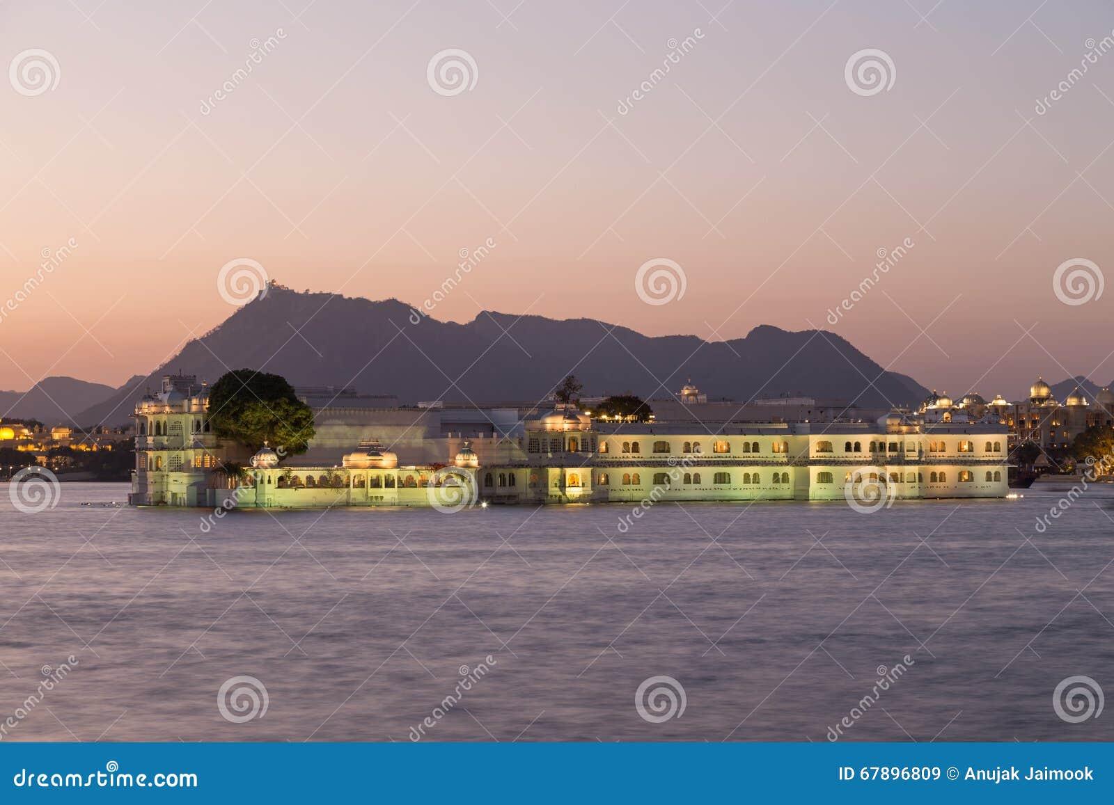 Taj乌代浦市的,印度湖宫殿