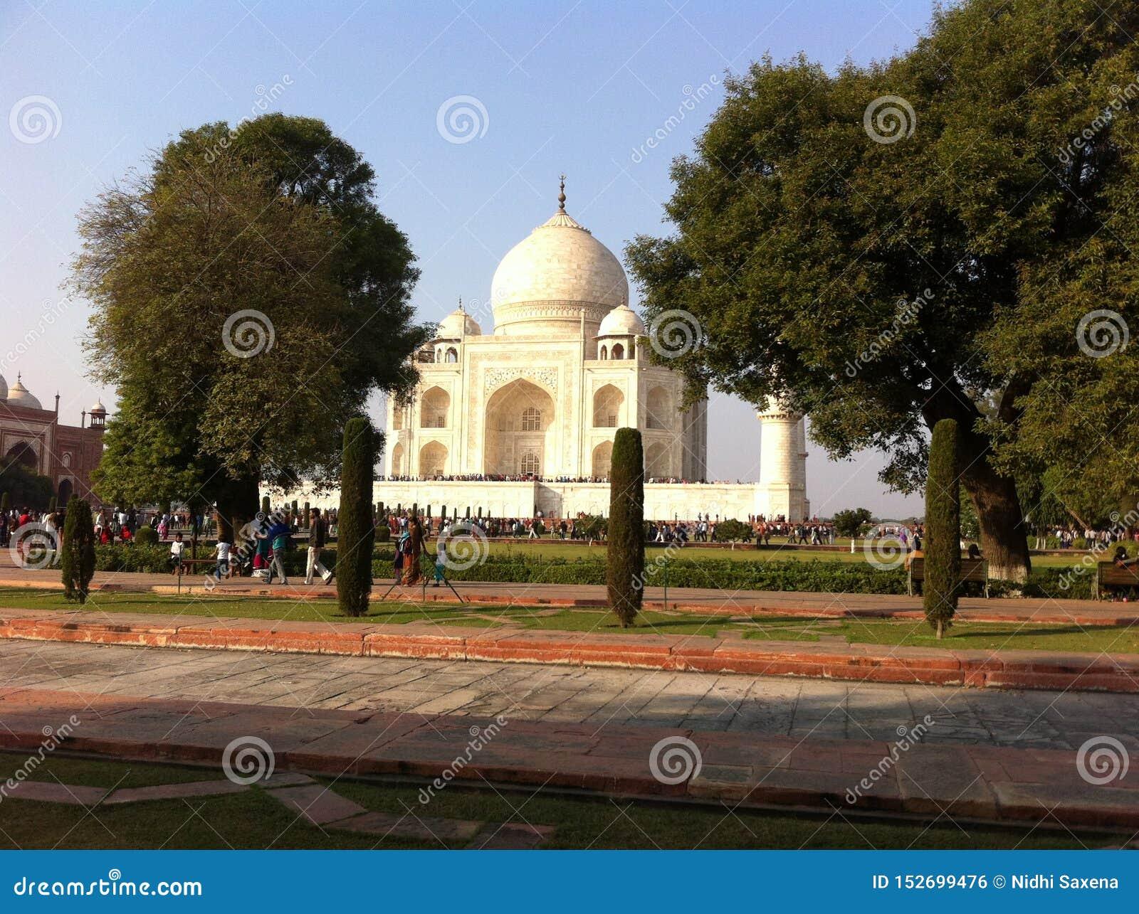 Taj mahal in 1632 door grote jahan emporesjah