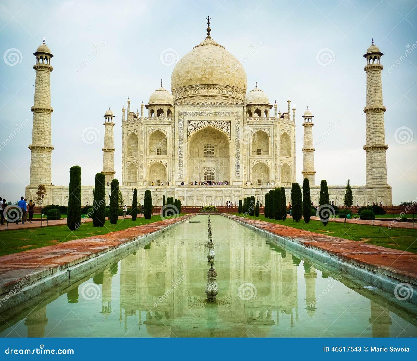 Taj Mahal Low Angle Front View Stock Image - Image of pradesh ...