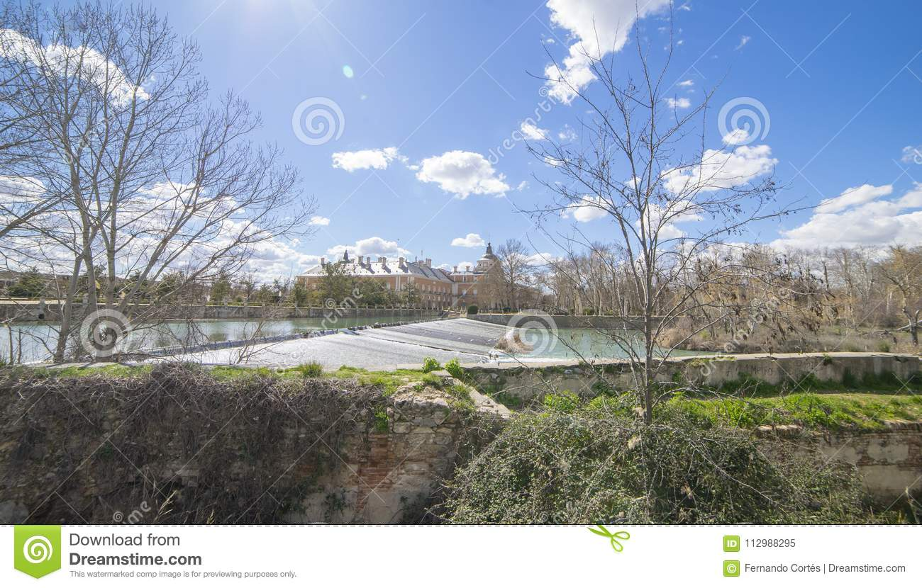 The Tajo River next to the Palace of Aranjuez. waterfalls with d