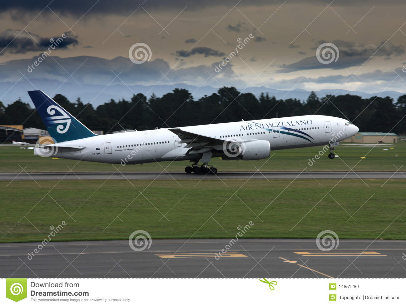 Download Takeoff editorial image. Image of takeoff, airport, widebody - 14851280