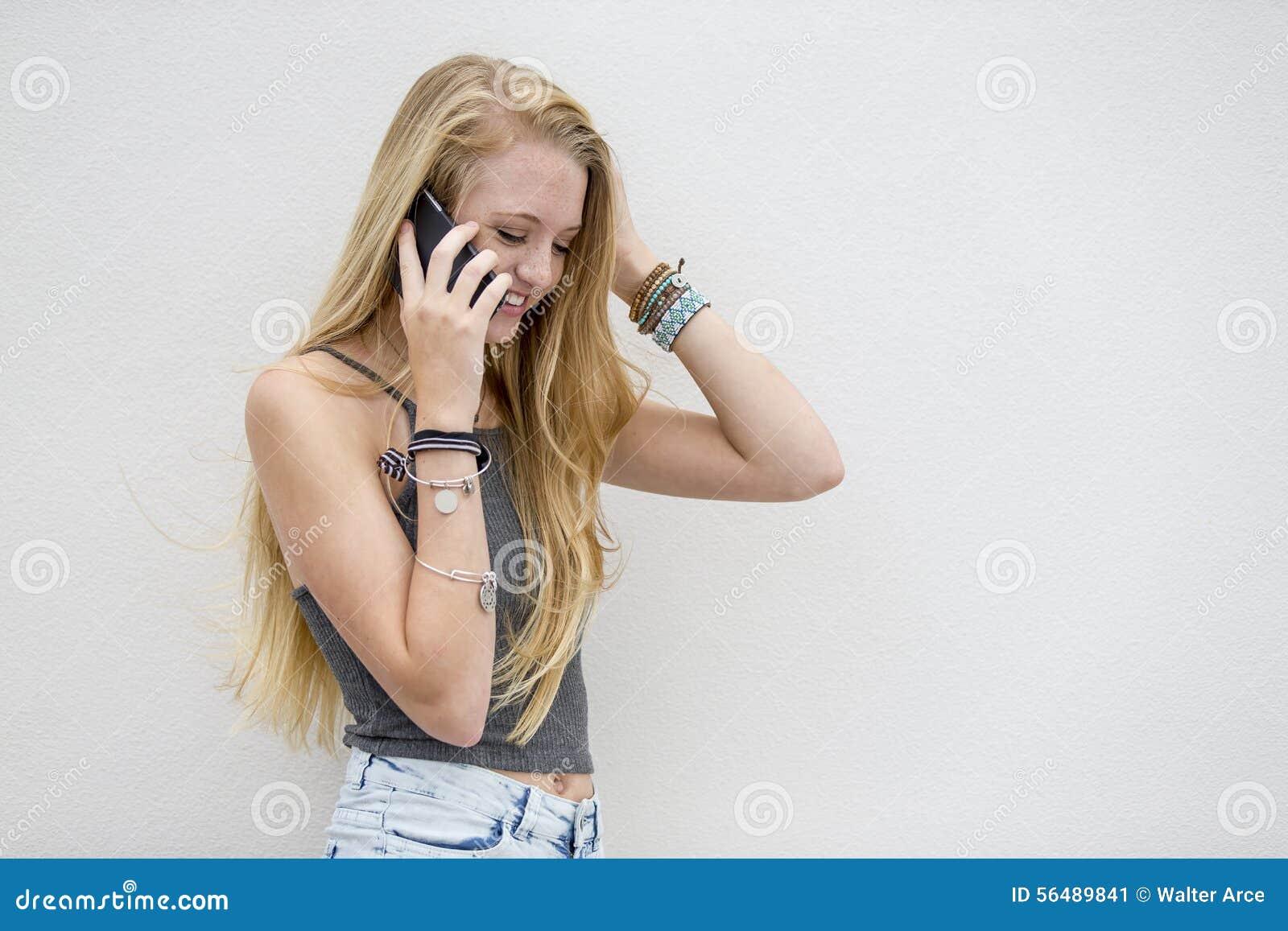 Talking Outdoors modèle adolescent blond