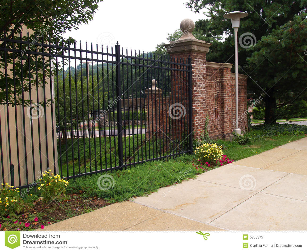 Picture of: 85 070 Black Fence Photos Free Royalty Free Stock Photos From Dreamstime