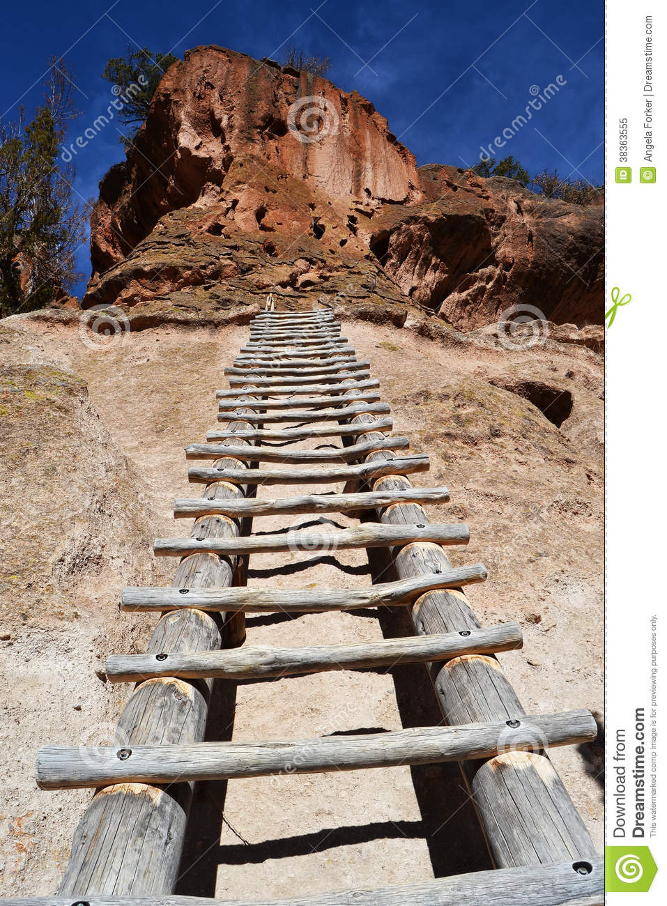 Tall Ladder Up To Cliff Dwelling Stock Image Image Of