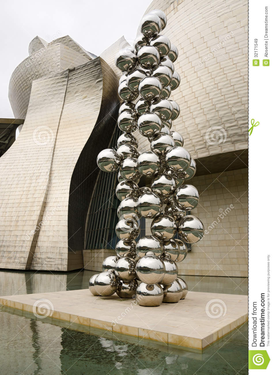 Tall Tree And The Eye Sculpture Editorial Stock Image