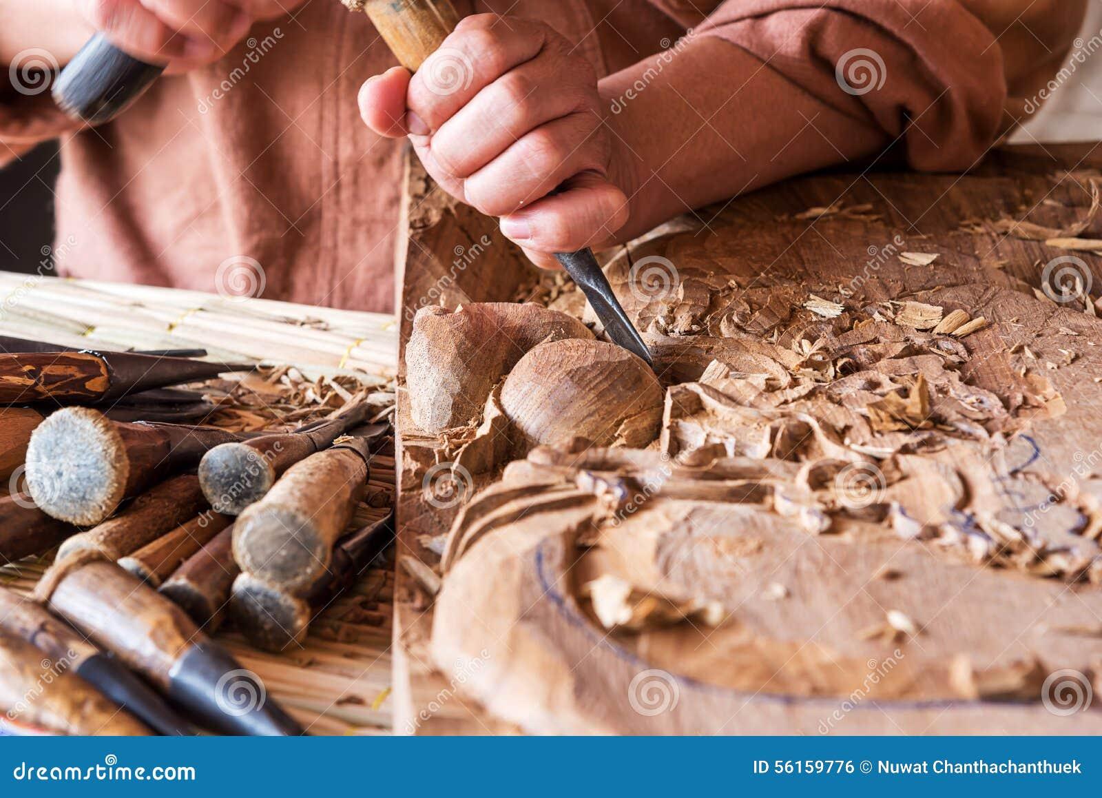 talla de madera del artesano foto de archivo