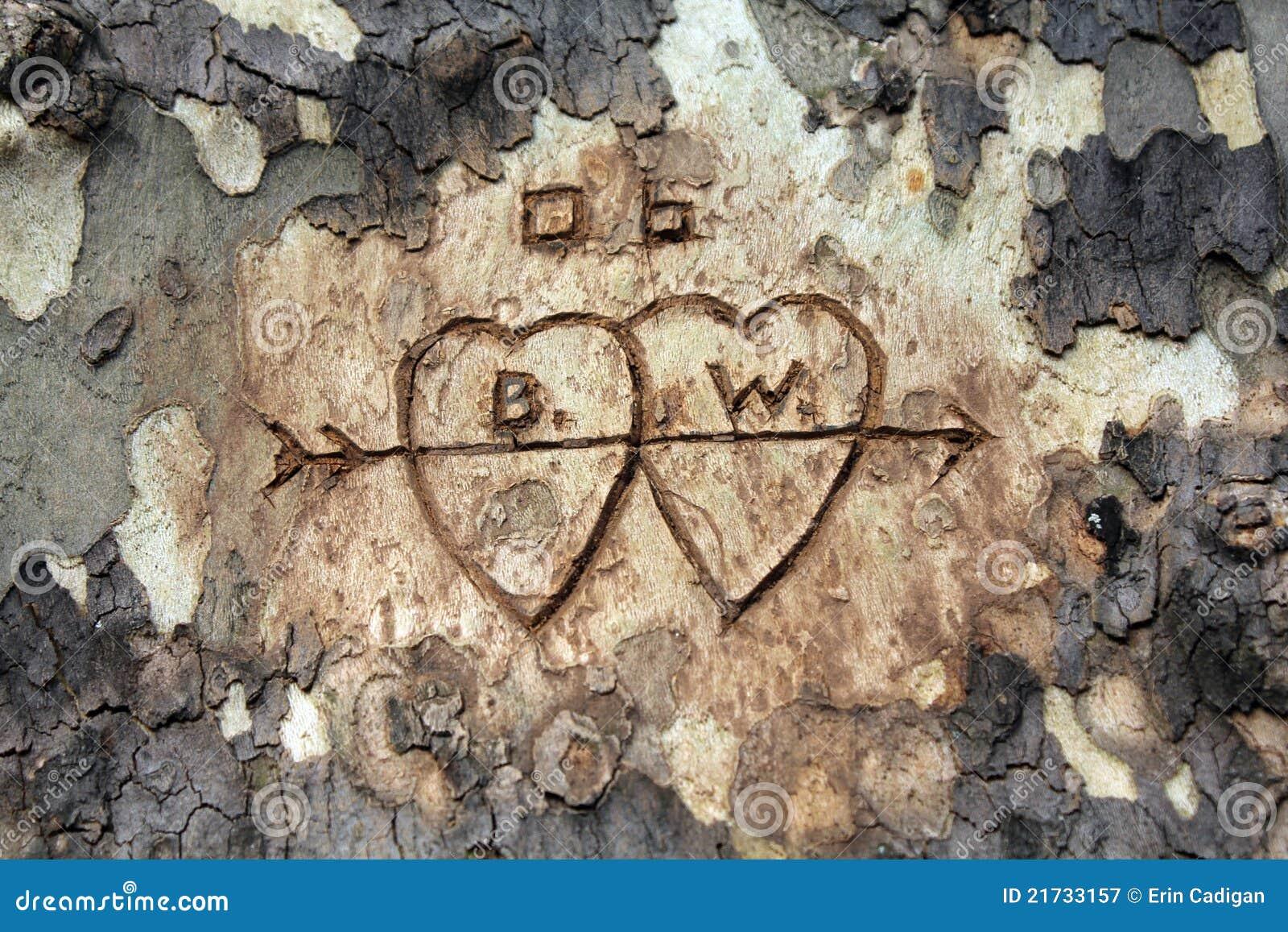 Talla del árbol de amor