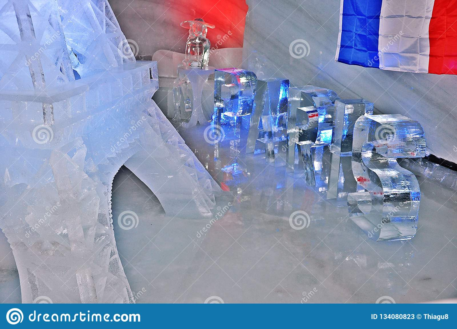 Talla del hielo de Dachstein - diseño de París