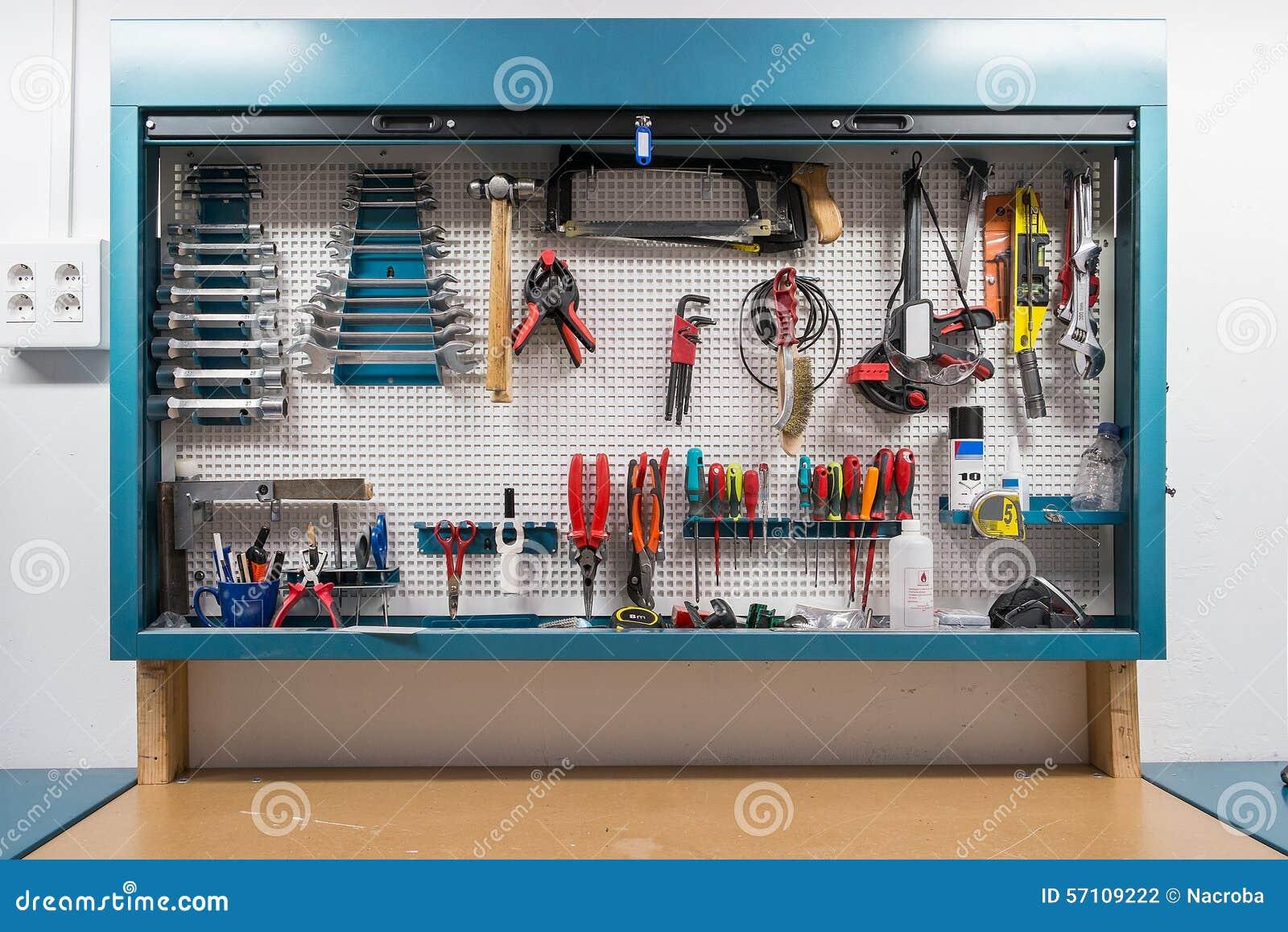 Taller foto de archivo imagen de instrumento reparaci n - Tablero de herramientas ...