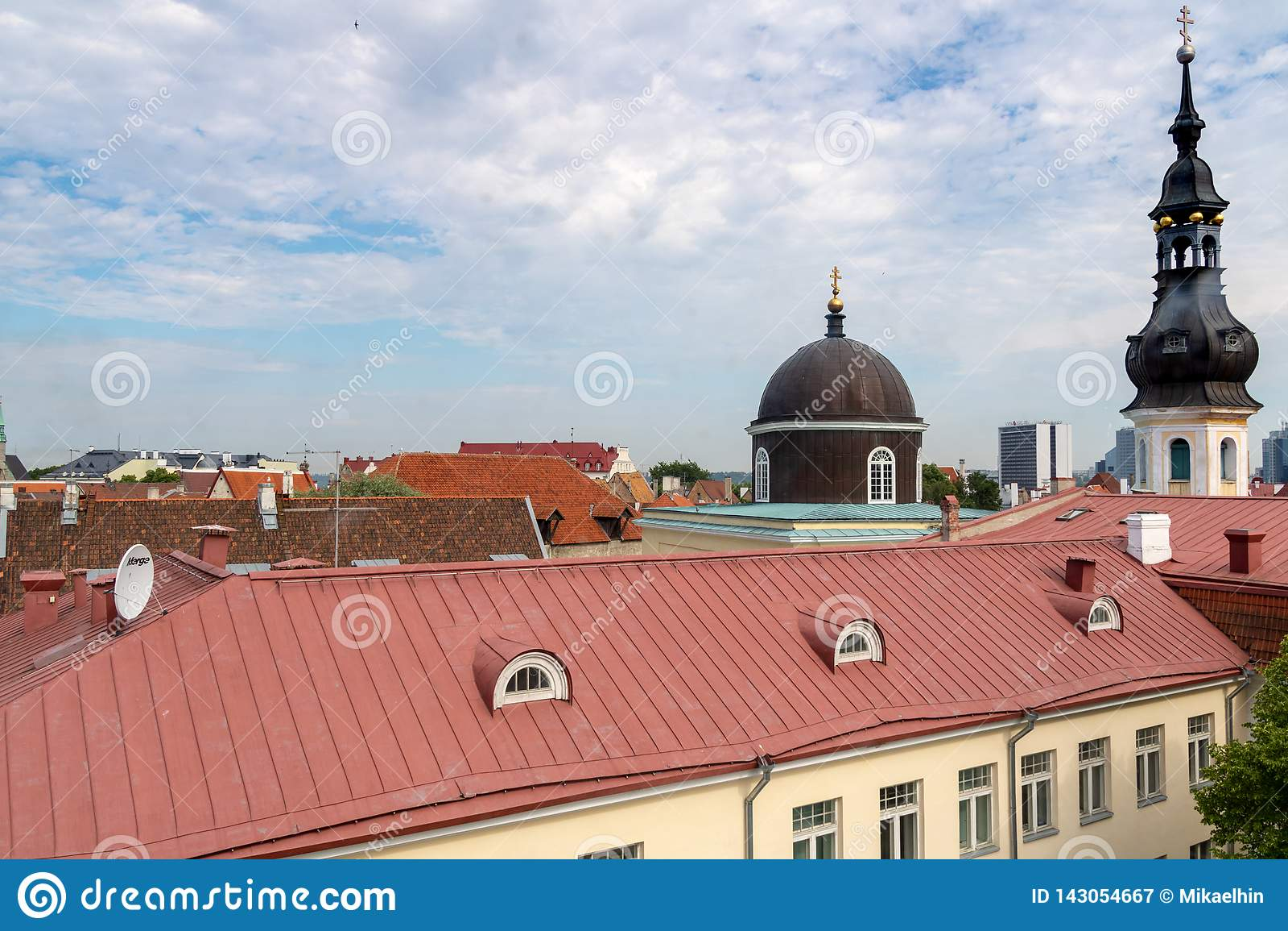 TALLINN, ESTLAND 26 JUNI, 2015: Weergeven van StMary-Kerk
