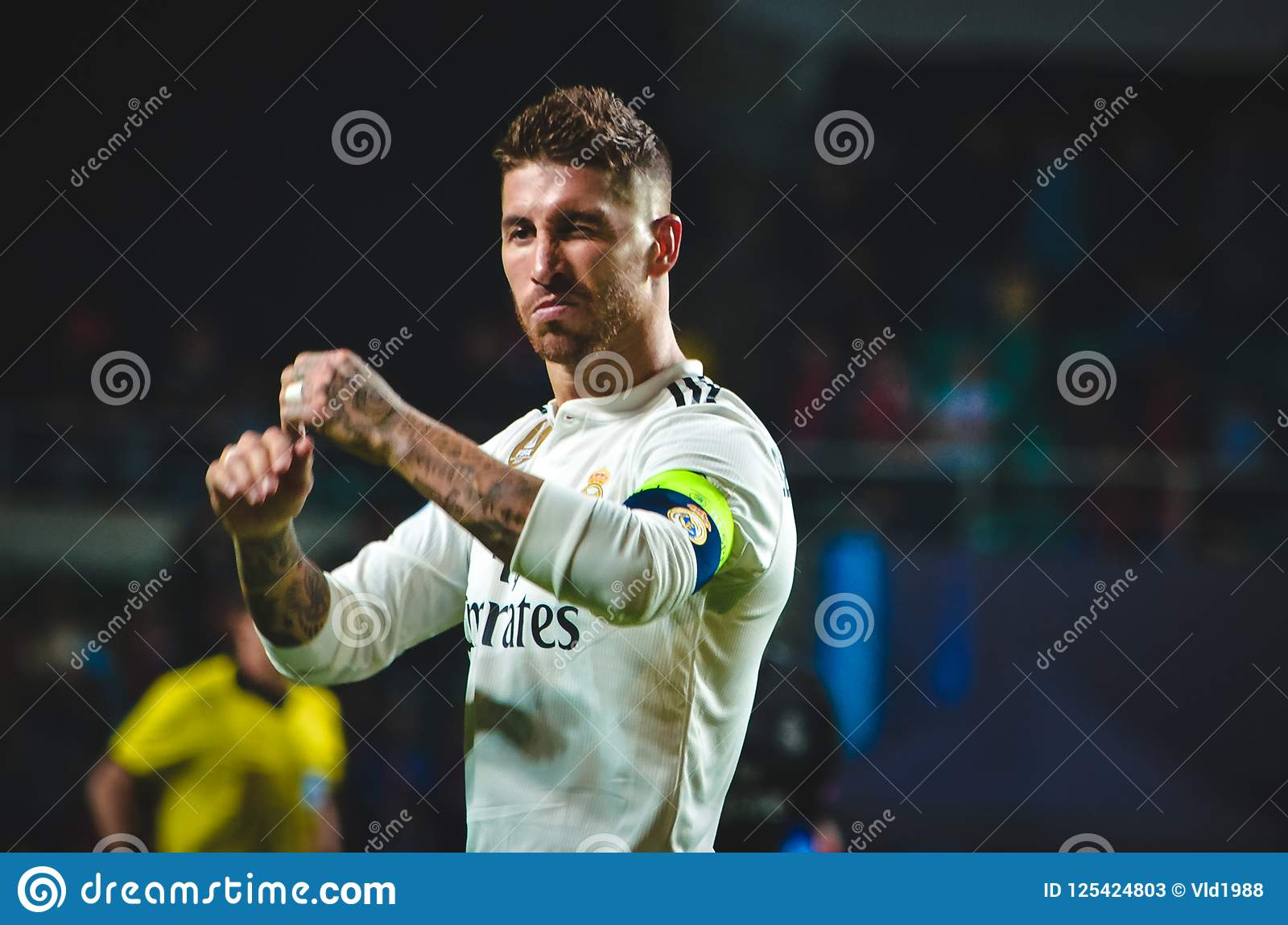 TALLINN, ESTONIA - 15 Sierpień, 2018: Sergio Ramos podczas żebra