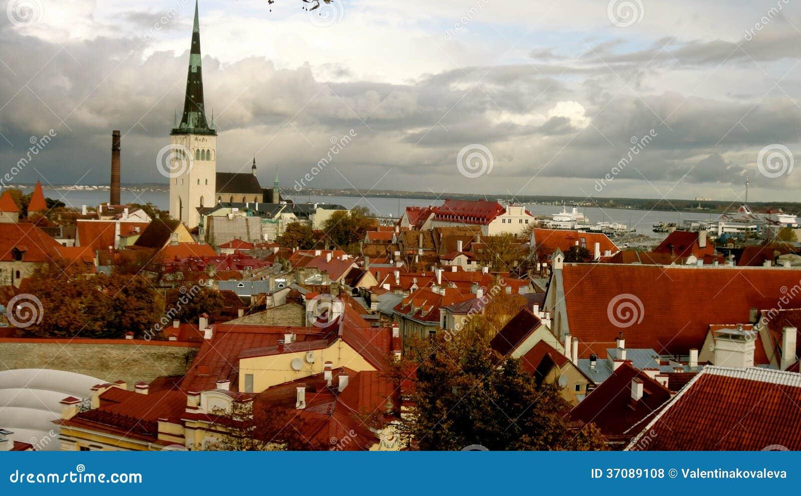 Download Tallinn krajobraz zdjęcie stock. Obraz złożonej z kolorowy - 37089108