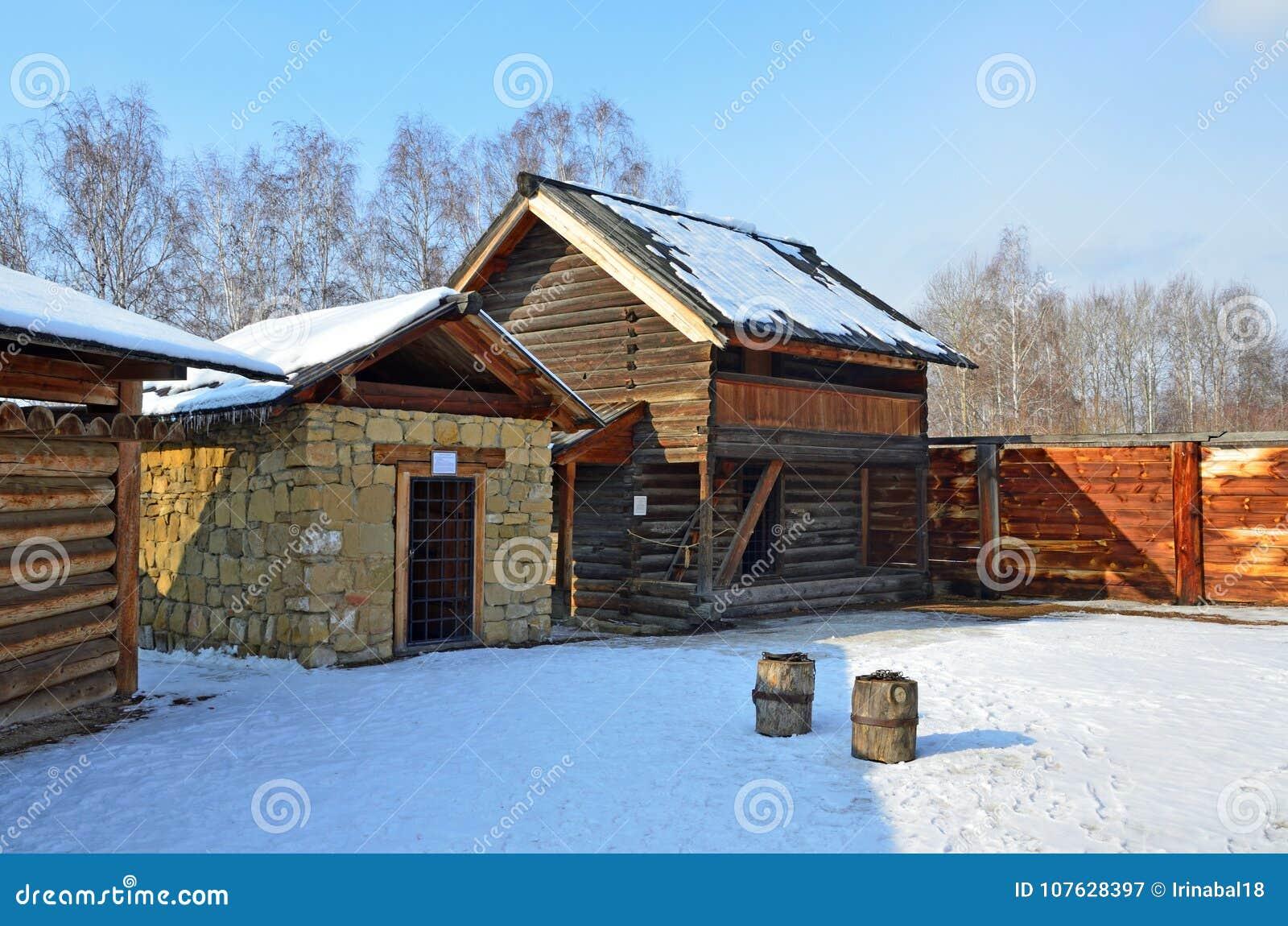 Taltsy, Irkutsk-Region, Russland, März, 02, 2017 Gemeindegefängnis von Jahrhundert 19 in Museum Irkutsks Architektur-ethnographis