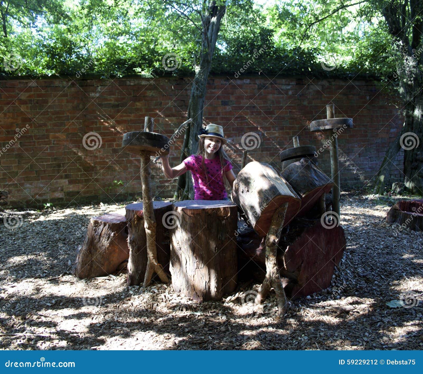 Download Tambores de la selva foto de archivo. Imagen de sculpted - 59229212