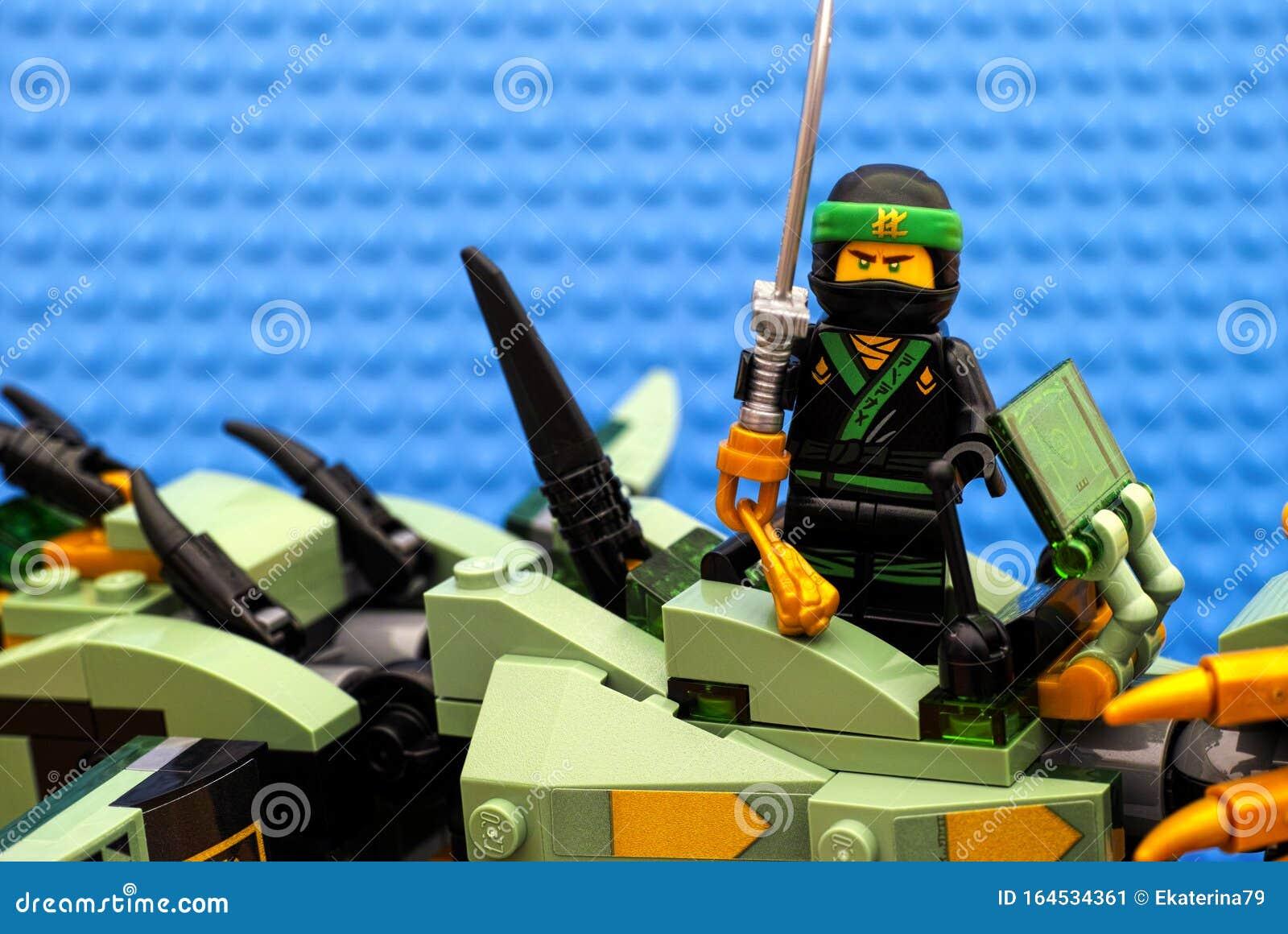Lego Ninjago Movie The Green Ninja Standing On Green Ninja Mech Dragon Editorial Photo Image Of Fight Mini 164534361