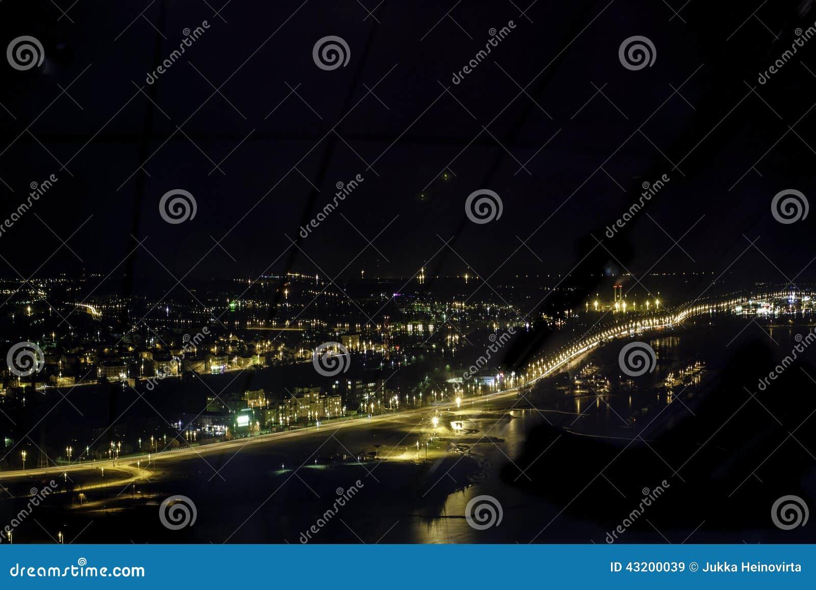 Download Tammerfors vid natt fotografering för bildbyråer. Bild av nighttime - 43200039