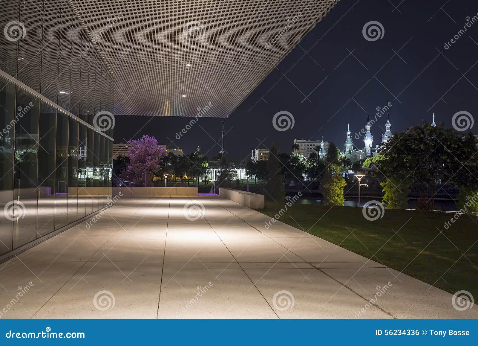 Tampa uniwersytet i Tampa muzeum sztuki