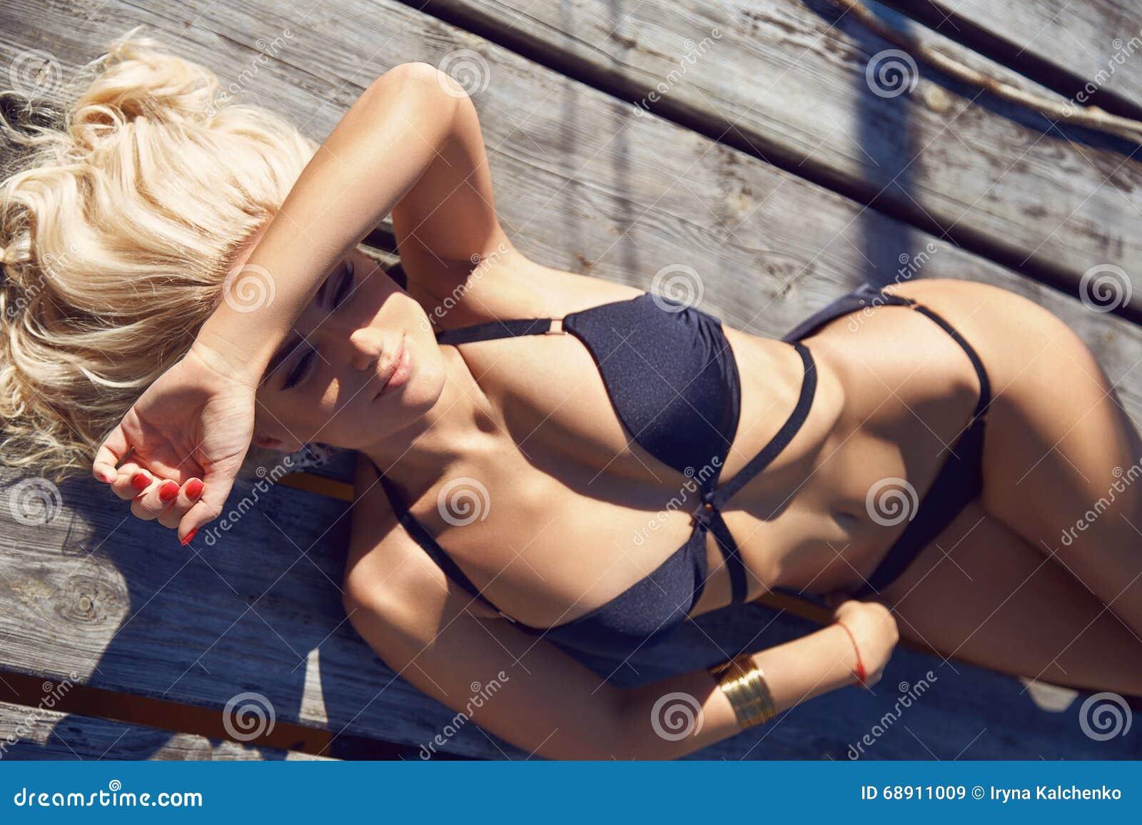 Сексуальные девушки заплывания