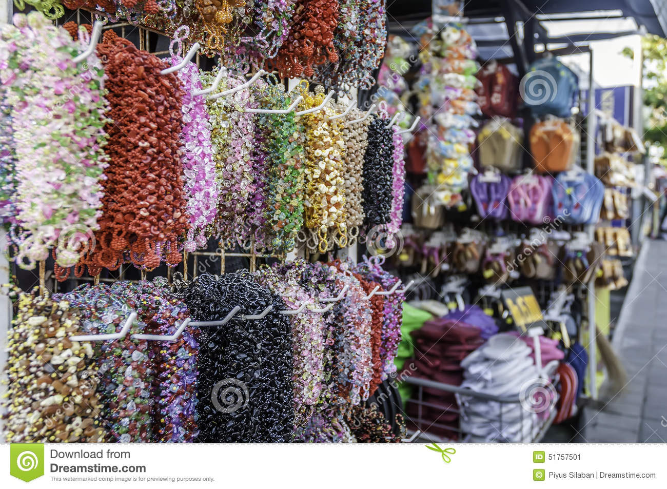 Tanah Lot Temple Traditional Art Market Editorial Photo Image Of Balinese Is A Famous Place In Bali Tabanan Village As Tourist Destination For Trading Old