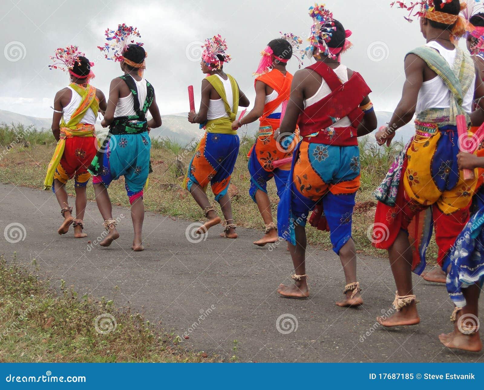 Tancerze plemienni