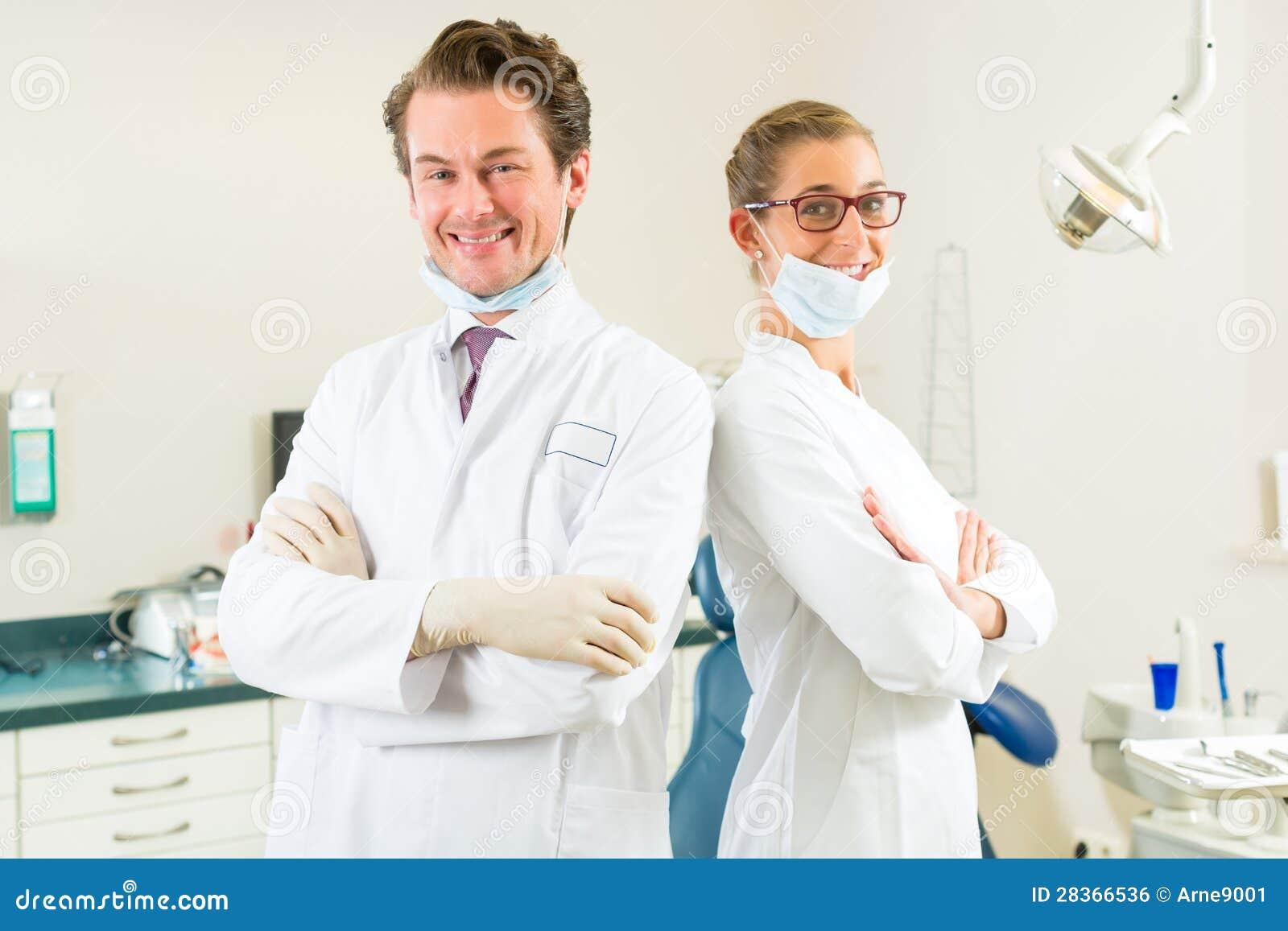 Tandartsen in hun chirurgie