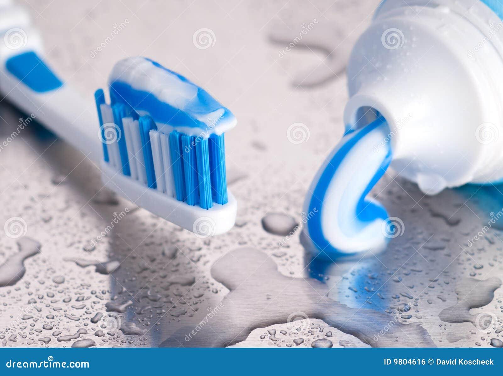 Tandenborstel en deeg