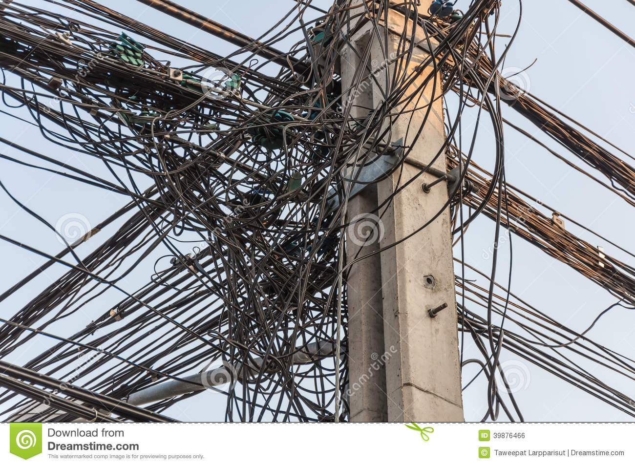 Tangle cable on pole stock photo. Image of electric, white - 39876466