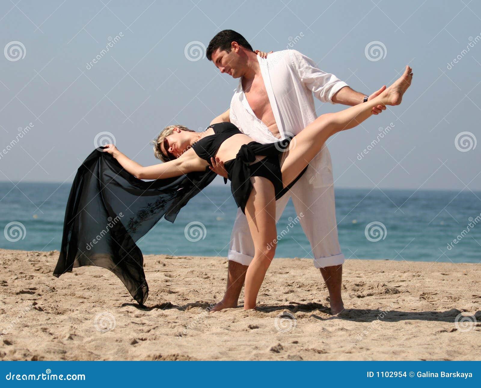 Tango op het strand