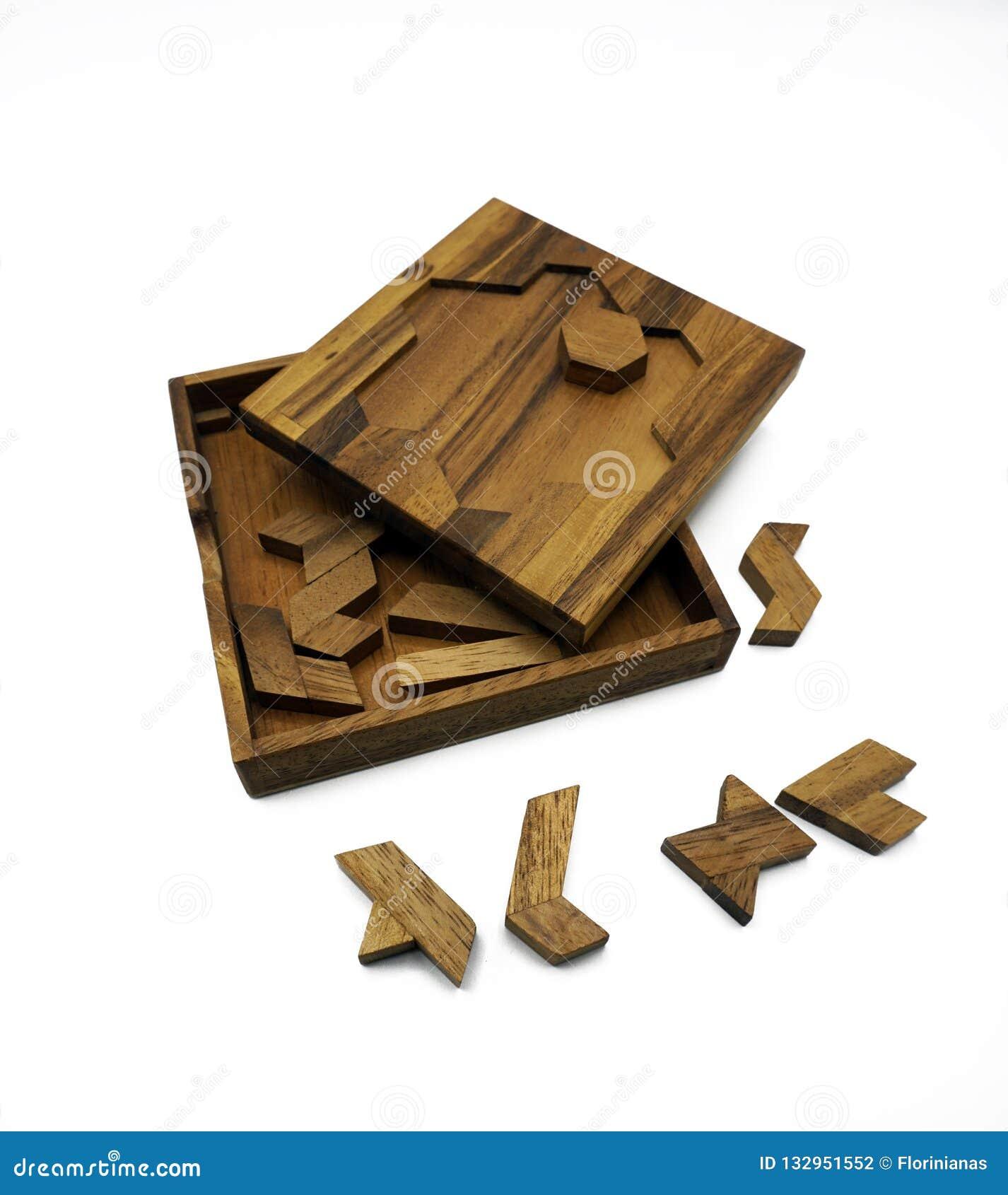 Tangram, Chińska tradycyjna łamigłówki gra