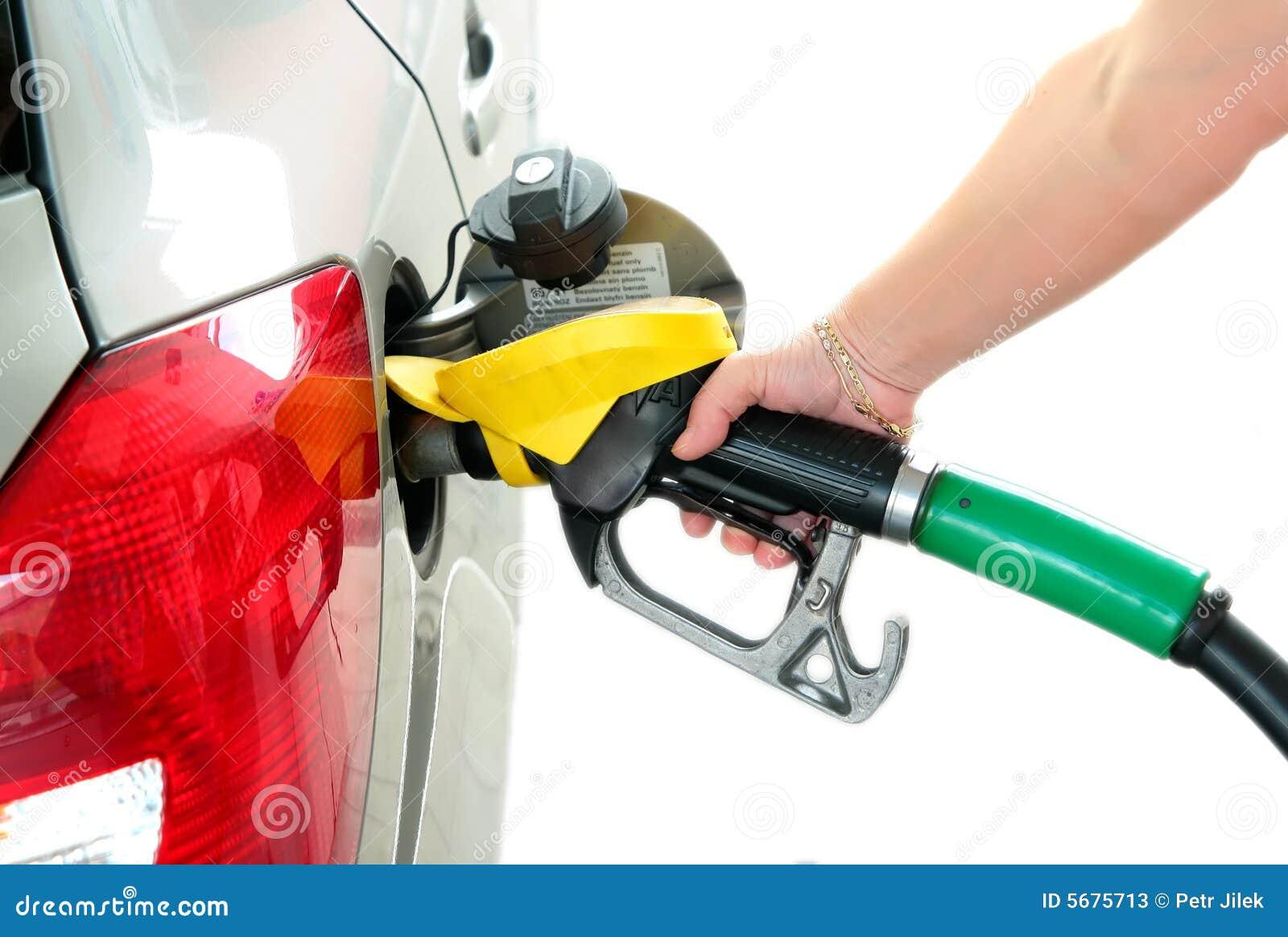 Tank benzine in gas-post bij