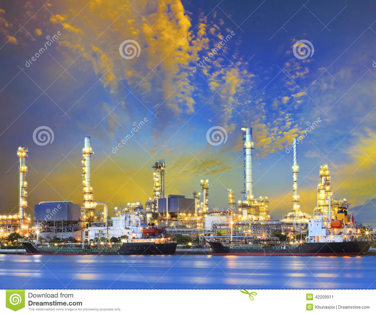 Industrial Light Fuel Oil: Tanker Ship And Petrochemical Oil Refinery Industry Plant