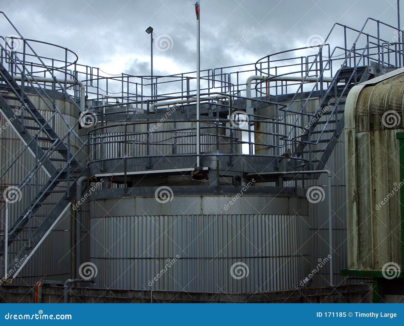 Tanks and rails