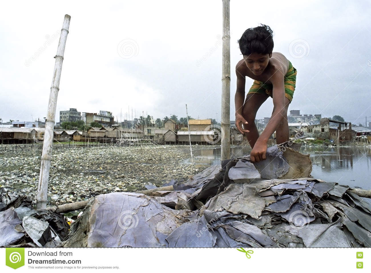 pollution in dhaka city essay Pollution in bangladesh essaysbangladesh is apparently now in the grip of all  sorts of pollution, like air pollution, soil pollution, water pollution and what not.