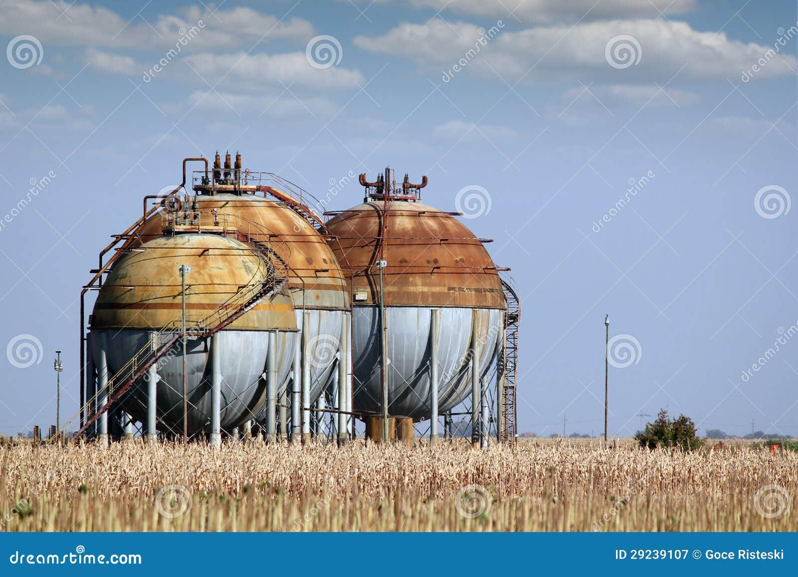 Download Tanque de gás imagem de stock. Imagem de encanamento - 29239107