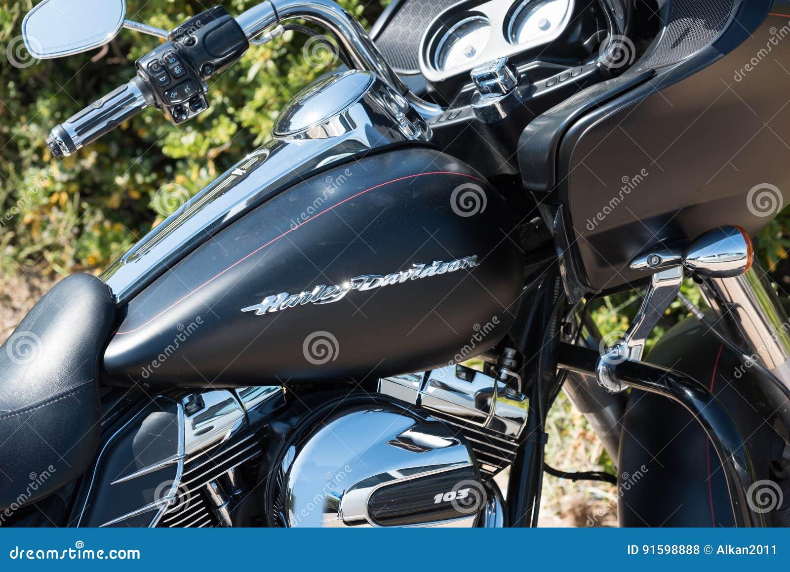 Tanque De Gas De Harley Davidson Road Glide Special Foto De Stock Editorial Imagem De Road Tanque 91598888
