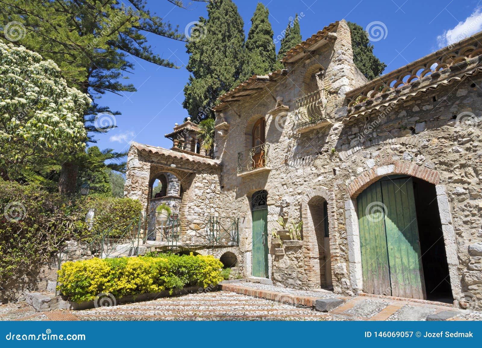 Taormina - i giardini pubblici - parco