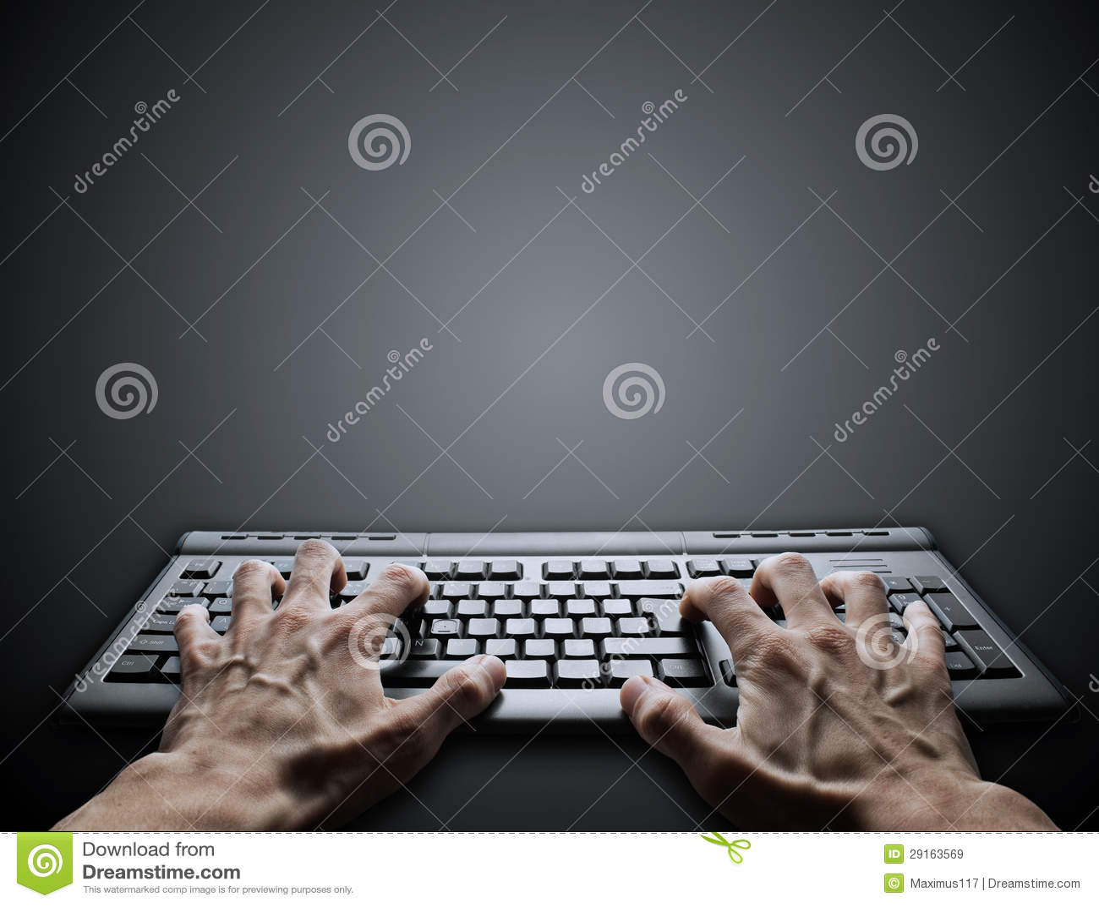 Taper dur sur le clavier