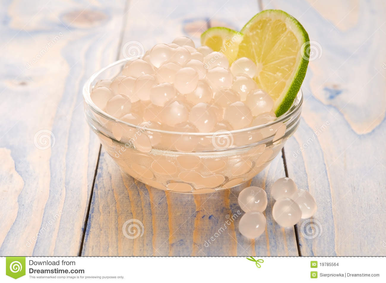 Tapioca pearls with lime. bubble tea