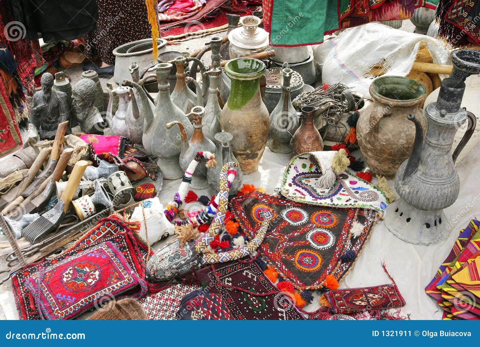 Tapis décoratifs faits main et cruches